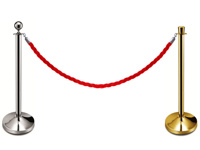 Pinta virvė užkabinta ant atitvarų stovų.