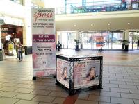 Reklama prekybos centruose.