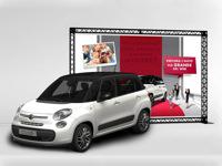 Reklaminė sienelė automobilių salonui, skirta pristatymui ar reklamai.
