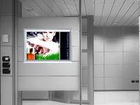 rėmelis iš anoduoto aliuminio, skirtas reklamai talpinti, turi apsauginį skaidrų plastiką plakatui apsaugoti nuo subraižymų