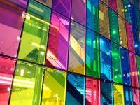 Kavinių, restoranų, kirpyklų, ofisų ar kitų patalpų dekoravimas su skaidria plėvele
