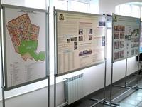 ekspoziciniai stendai su plakatais